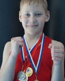Тюменский Фонд развития бокса - официальный сайт - Боксеры - КОЛЕСНИКОВ АЛЕКСАНДР