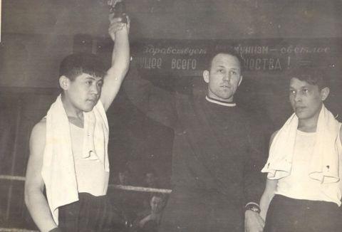 Тюменский Фонд развития бокса - официальный сайт - Фотолента - Станислав Яковлевич Таштимиров - один из первых тюменских мастеров спорта по боксу